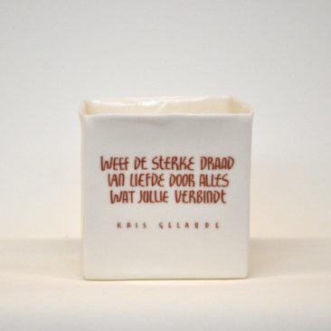 Handgemaakt theelicht in porselein met quote